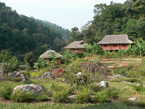 Pan Hou village ecolodge